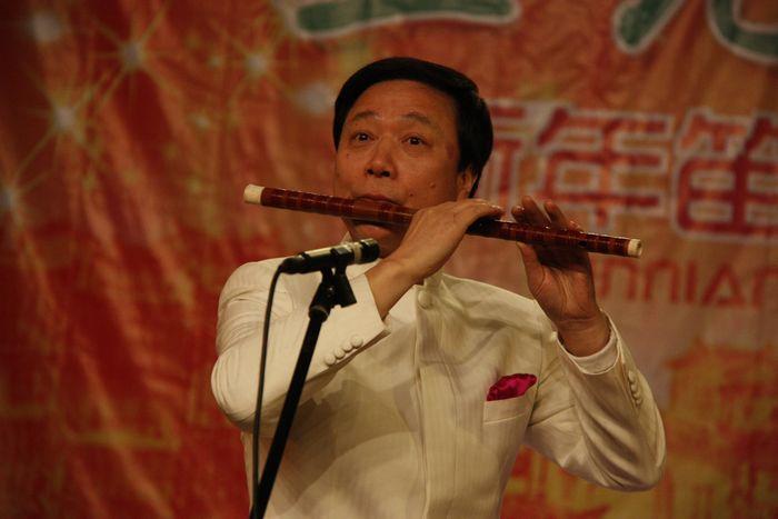 笛子协奏曲《兰花花》